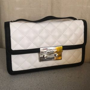 Michael Kors Bags - Authentic Mk chain quilted body bag